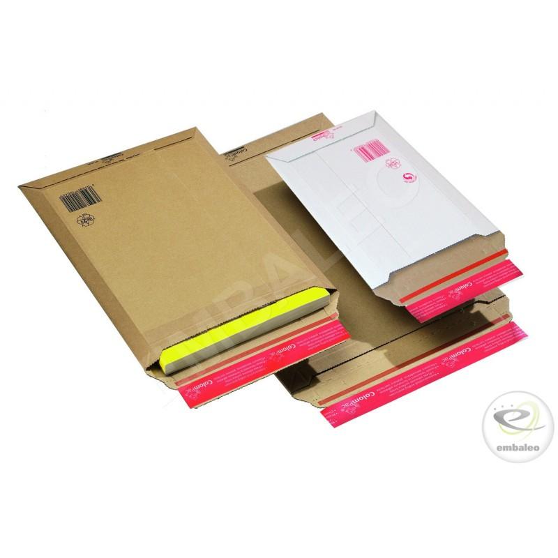 Plusieurs formats d'enveloppes cartonnées